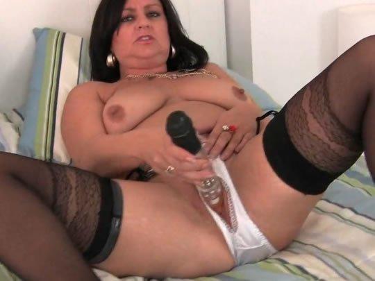 Nagy fekete mamas pornó