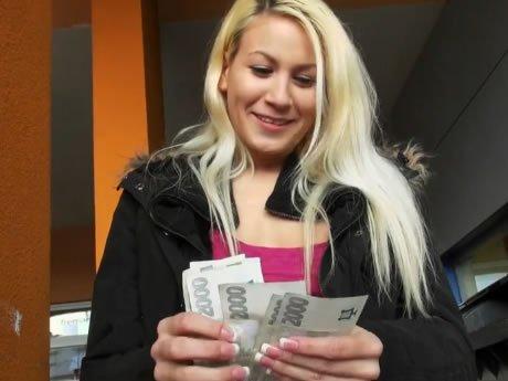készpénz szexvideókhoz lány orgia