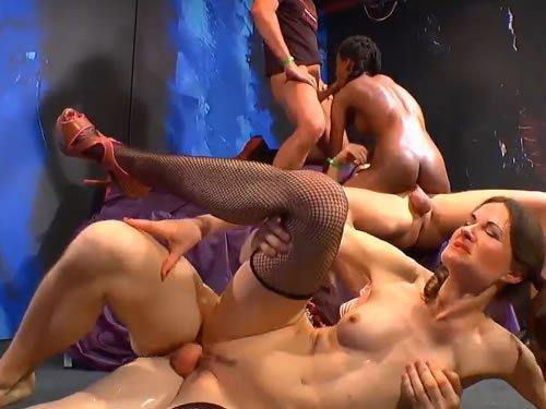 két kakas szopás stoppos tini pornó