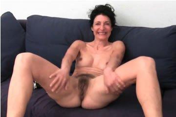 Emmanuelle - tocsog a mami puncija
