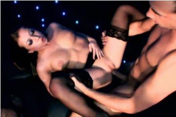 Privát szexparti az éjszakai klubban