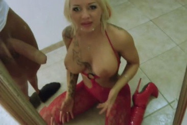 Sexy Cora - nagy mellek és faszverés