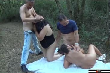 Erdei pinanyalás és amatőr gruppenszex